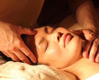Où masser quand on a mal au dent ?