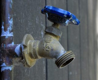 Astuces pour identifier les fuites d'eau