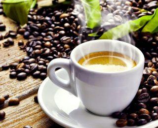 Café contre thé : Lequel est le meilleur pour vous ?