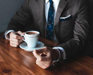 Boire du café pour éviter les pannes d'érection