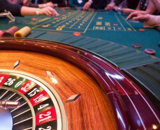 Risquer peu d'argent pour profiter d'énormes avantages en utilisant le poker en ligne