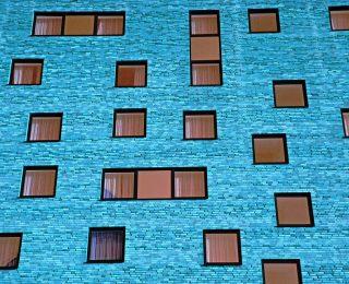Quelle est la différence ? Fenêtres en PVC ou en aluminium