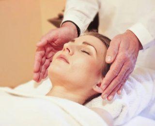 Comment se débarrasser d'une migraine avec le massage pour les maux de tête