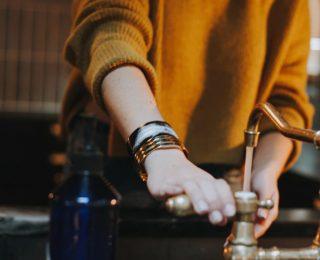 5 façons de protéger votre plomberie et vos jeunes enfants