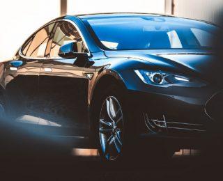 Pourquoi les gens n'achètent pas de voitures électriques (et pourquoi elles sont mauvaises)