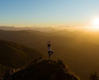 10 poses de yoga de perte de poids qui fonctionnent réellement !